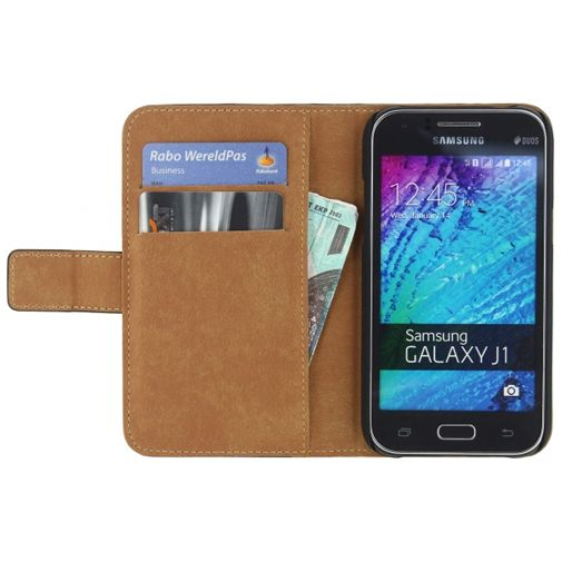 Productafbeelding van de Mobilize Classic Wallet Book Case Black Samsung Galaxy J1