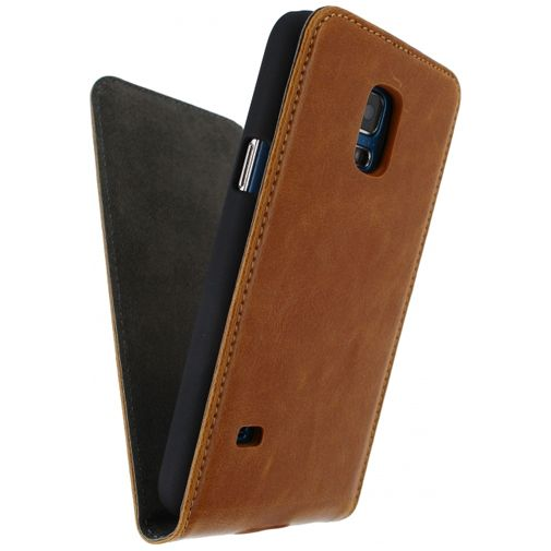 Productafbeelding van de Mobilize Premium Magnet Flip Case Brown Samsung Galaxy S5 Mini