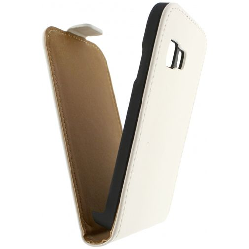 Productafbeelding van de Mobilize Ultra Slim Flip Case White Samsung Galaxy Young 2
