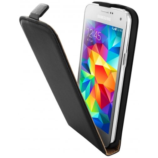 Productafbeelding van de Mobiparts Essential Flip Case Black Samsung Galaxy S5 Mini