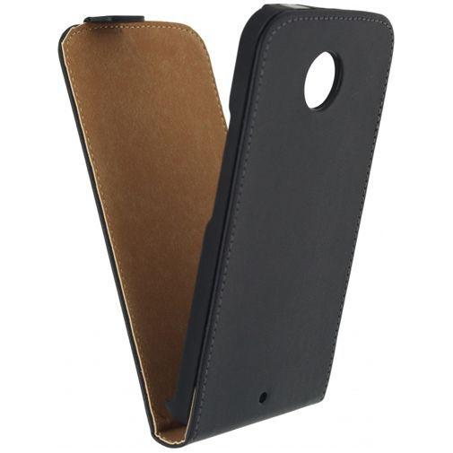 Productafbeelding van de Mobilize Classic Flip Case Black Samsung Galaxy J1