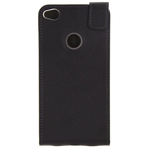 Productafbeelding van de Mobilize Classic Gelly Flip Case Black Huawei P8 Lite 2017