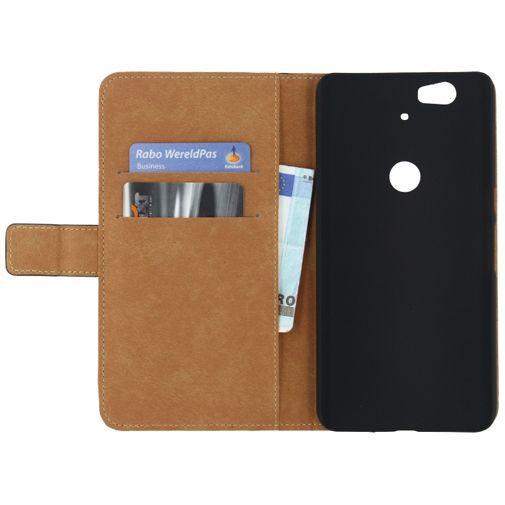 Productafbeelding van de Mobilize Classic Wallet Book Case Black Huawei Nexus 6P