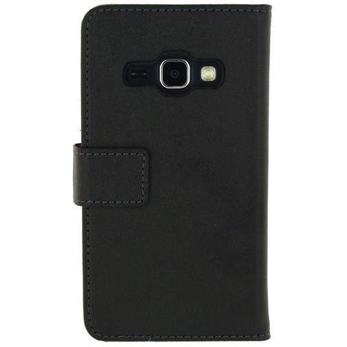 Productafbeelding van de Mobilize Classic Wallet Book Case Black Samsung Galaxy J1 (2016)