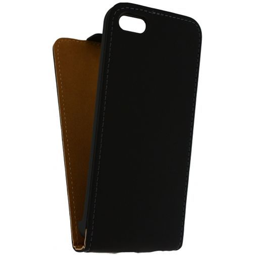 Productafbeelding van de Mobilize Ultra Slim Flip Case Black Apple iPhone 5C