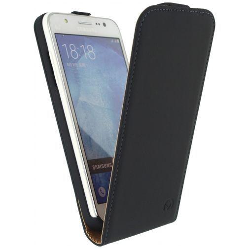 Productafbeelding van de Mobilize Ultra Slim Flip Case Black Samsung Galaxy J5