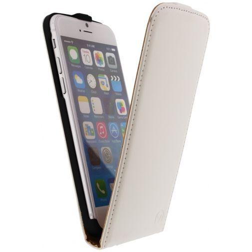 Productafbeelding van de Mobilize Ultra Slim Flip Case White Apple iPhone 6/6S