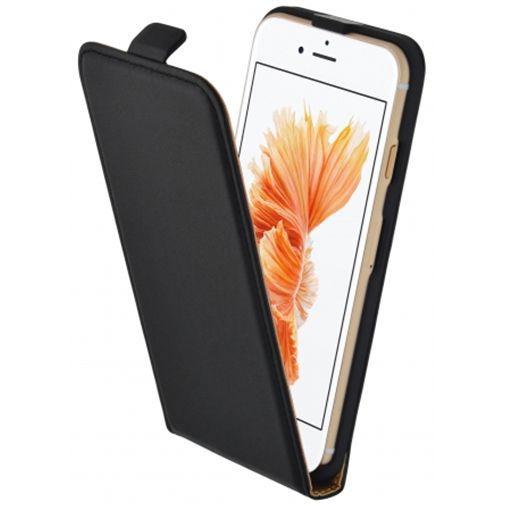 Productafbeelding van de Mobiparts Essential Flip Case Black Apple iPhone 7/8