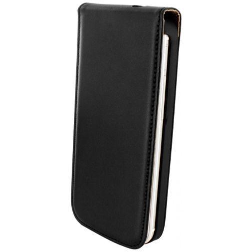 Productafbeelding van de Mobiparts Essential Flip Case Black HTC One Mini 2