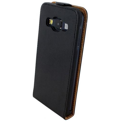 Productafbeelding van de Mobiparts Essential Flip Case Black Samsung Galaxy A3