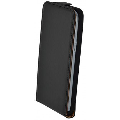 Productafbeelding van de Mobiparts Essential Flip Case Black Samsung Galaxy J3 (2016)