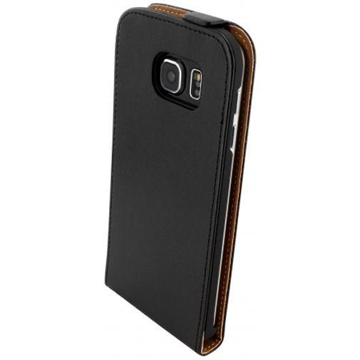 Productafbeelding van de Mobiparts Essential Flip Case Black Samsung Galaxy S6