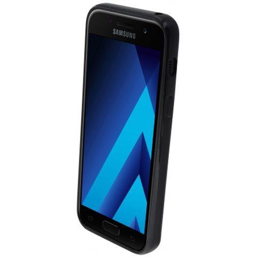 Productafbeelding van de Mobiparts Essential TPU Case Black Samsung Galaxy A3 (2017)