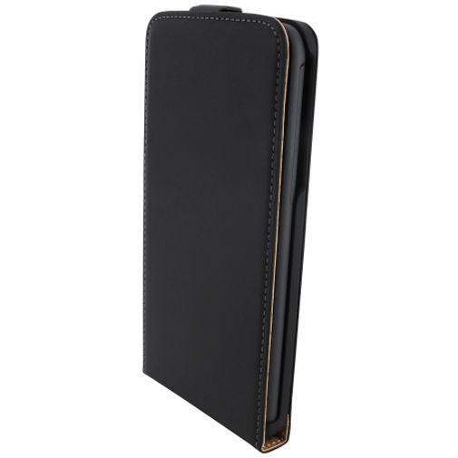 Productafbeelding van de Mobiparts Premium Flip Case Black HTC Desire 816