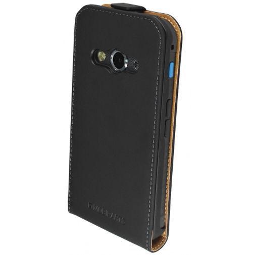 Productafbeelding van de Mobiparts Premium Flip Case Black Samsung Galaxy Xcover 3 (VE)
