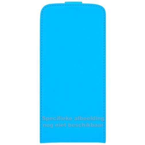 Productafbeelding van de Mobiparts Premium Flip Case Light Blue Samsung Galaxy J1