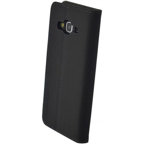 Productafbeelding van de Mobiparts Premium Wallet Case Black Samsung Galaxy J3 (2016)