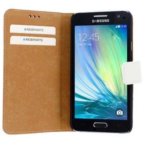 Productafbeelding van de Mobiparts Premium Wallet Case White Samsung Galaxy A3