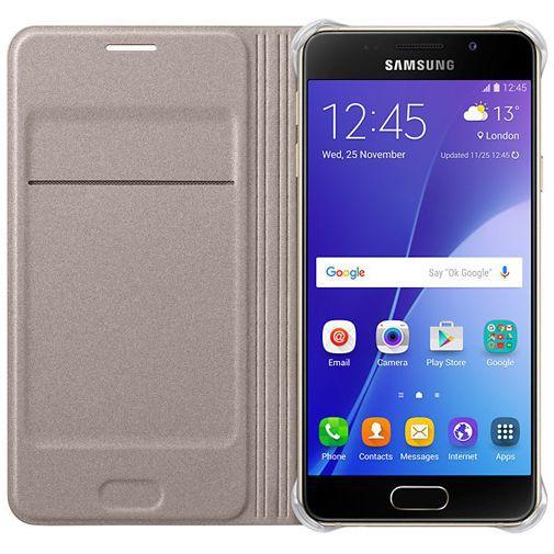 Productafbeelding van de Samsung Flip Cover Gold Galaxy A3 (2016)