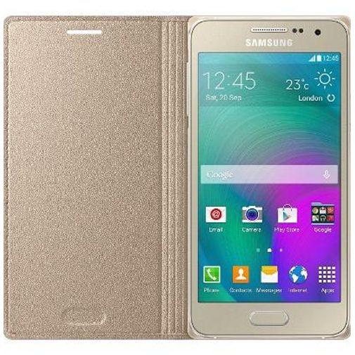 Productafbeelding van de Samsung Flip Cover Gold Galaxy A3