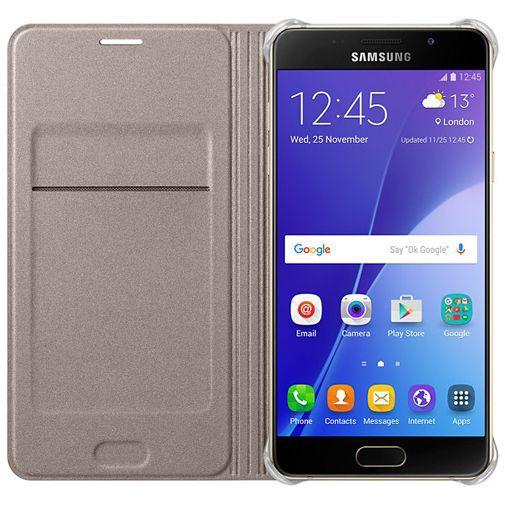 Productafbeelding van de Samsung Flip Wallet Gold Galaxy A5 (2016)