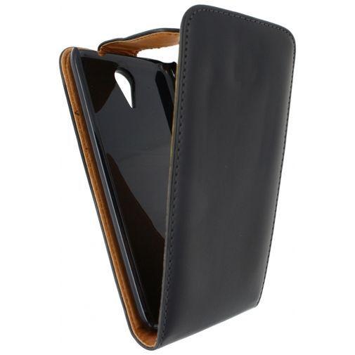 Productafbeelding van de Xccess Leather Flip Case Black HTC Desire 620