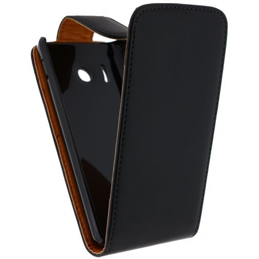 Productafbeelding van de Xccess Leather Flip Case Black Huawei Ascend Y300