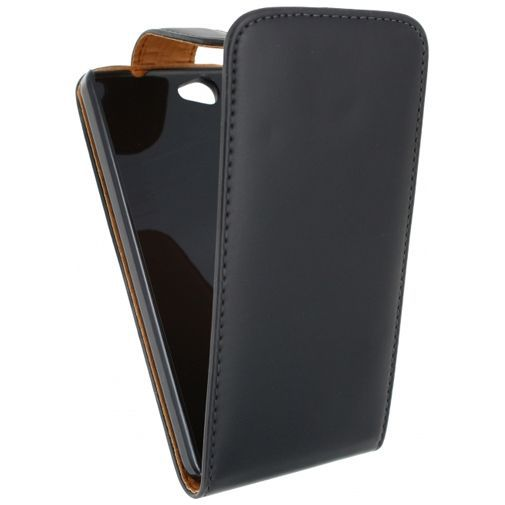 Productafbeelding van de Xccess Leather Flip Case Black Wiko Getaway