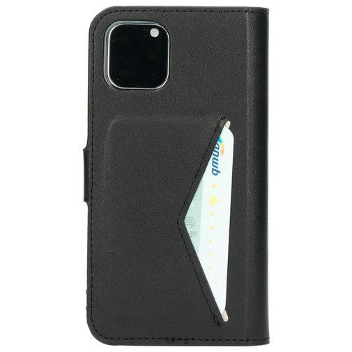 Productafbeelding van de Mobiparts Classic Wallet Case Black Apple iPhone 11 Pro