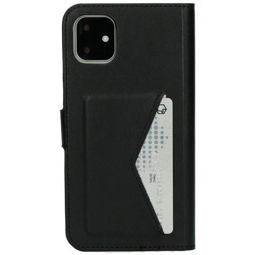 Productafbeelding van de Mobiparts Classic Wallet Case Black Apple iPhone 11