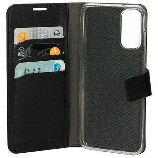 Productafbeelding van de Mobiparts Classic Wallet Case Black Samsung Galaxy S20
