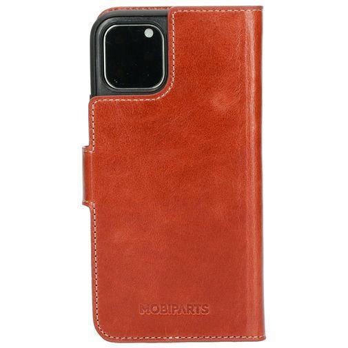 Productafbeelding van de Mobiparts Excellent Wallet Case 2.0 Brown Apple iPhone 11 Pro
