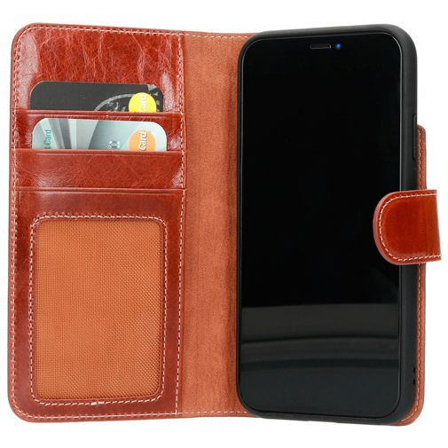 Productafbeelding van de Mobiparts Excellent Wallet Case 2.0 Brown Apple iPhone 11