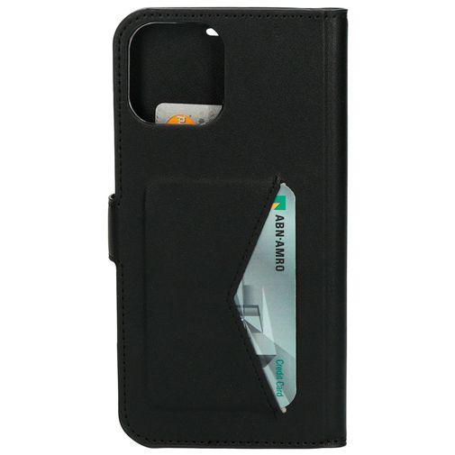 Productafbeelding van de Mobiparts PU-leer Book Case Apple iPhone 12/12 Pro Zwart