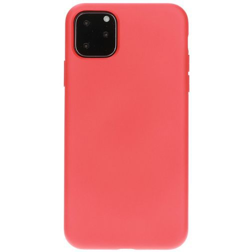 Productafbeelding van de Mobiparts Silicone Cover Red Apple iPhone 11 Pro