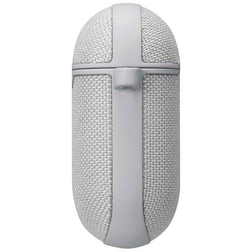 Productafbeelding van de Spigen Urban Fit Case Silver Apple AirPods