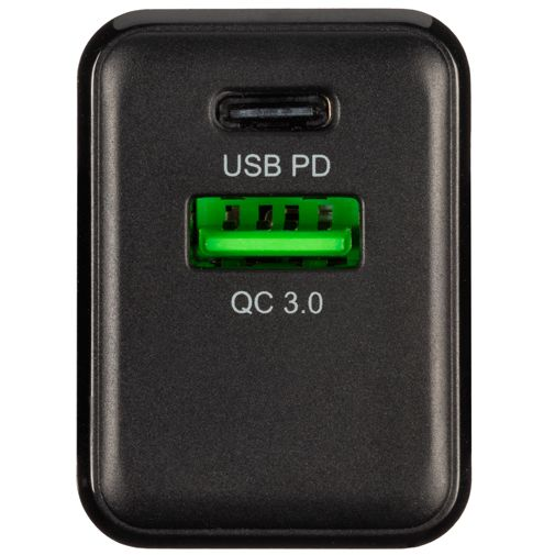 Productafbeelding van de Xtorm Volt Snellader USB + USB-C 18W + USB-C-kabel Black